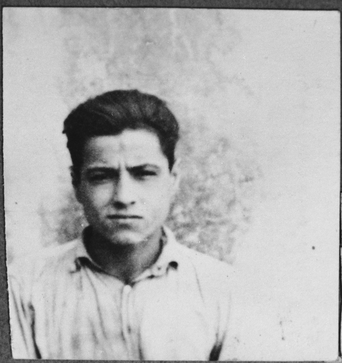 Portrait of Yakov Kassorla, son of Solomon Kassorla.  He was a student.  He lived at Drinska 81 in Bitola.
