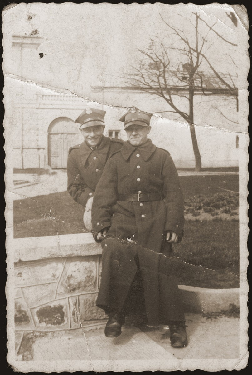 Gutman Grinwize, donor's husband and a friend in the Polish Army.