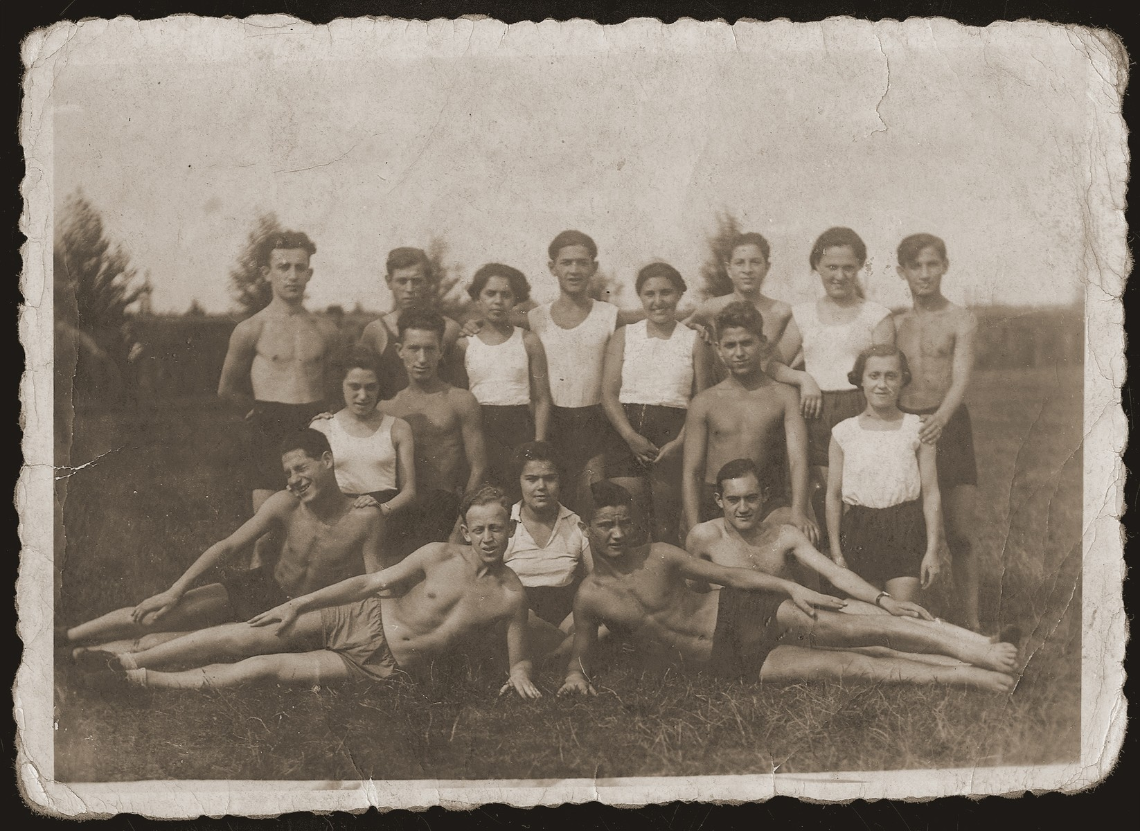 Group portrait of Jewish youth in Wielun.