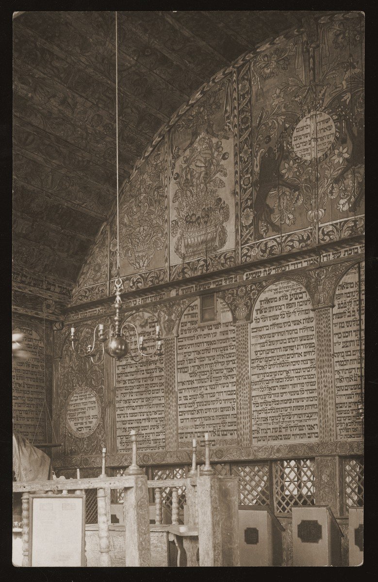 Interior of the wooden synagogue in Bechhofen.