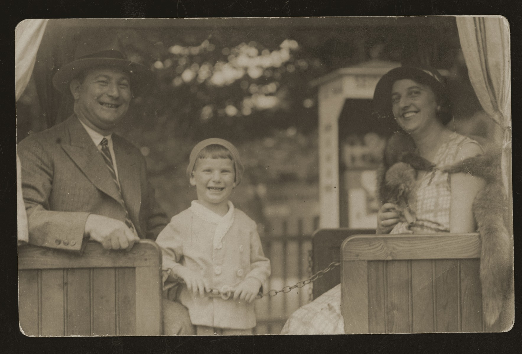 Moritz and Henia Wacs with their son, Ilie.