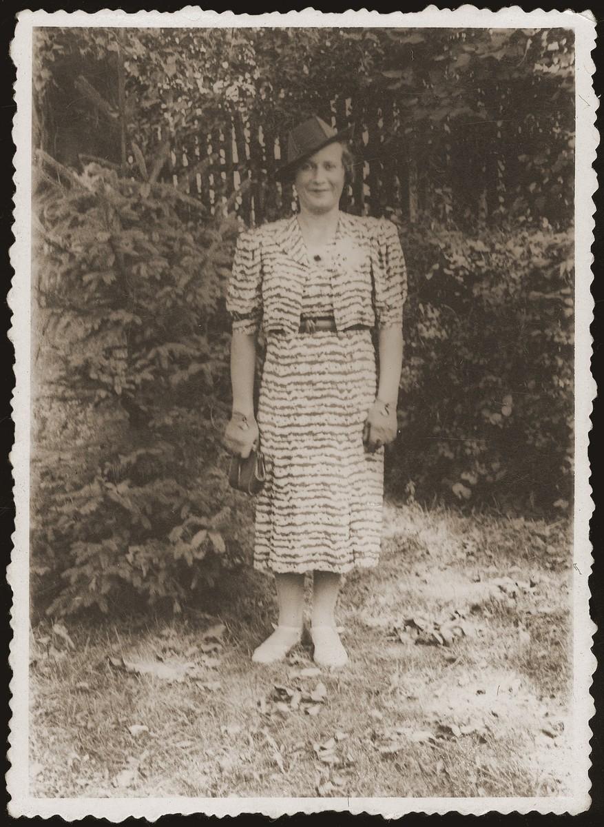 Portrait of Hela Jakubowicz, donor's sister.