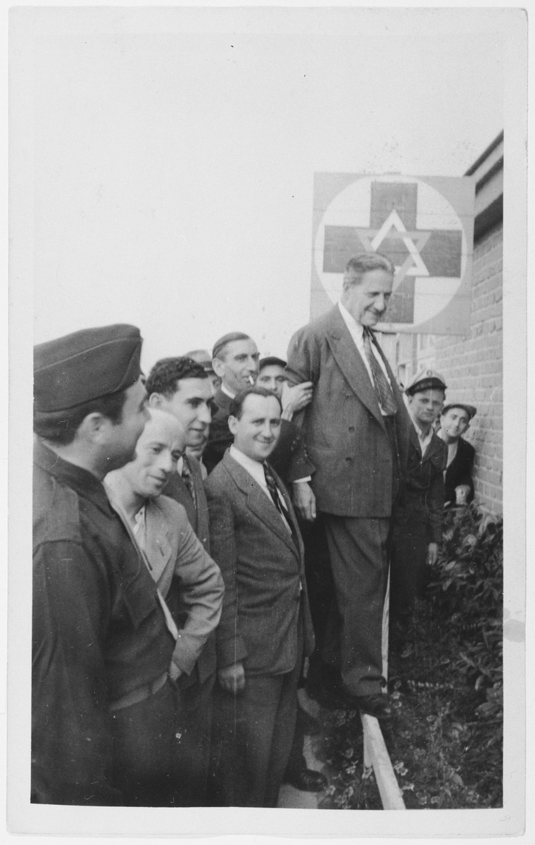 Rabbi Stephen Wise visits the Zeilsheim displaced persons' camp.