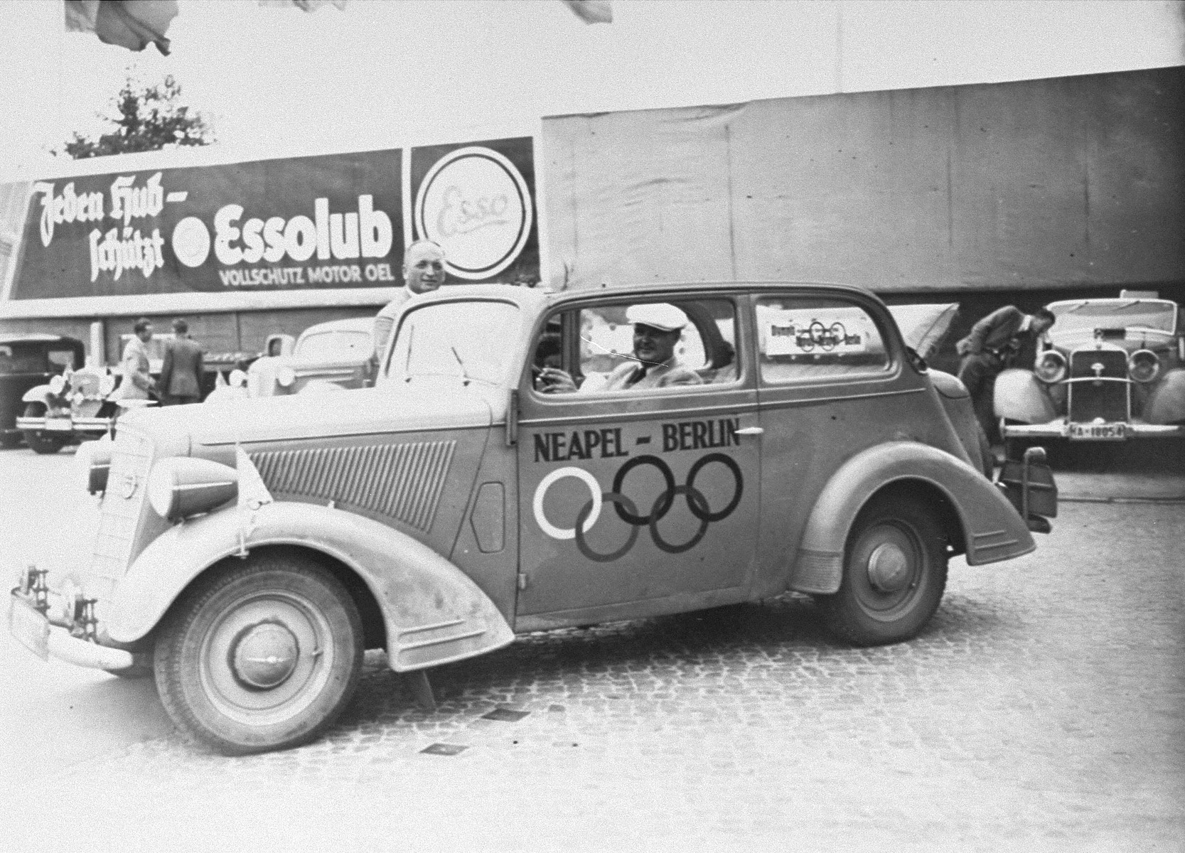 A Berlin taxi decorated for the Olympic Games.