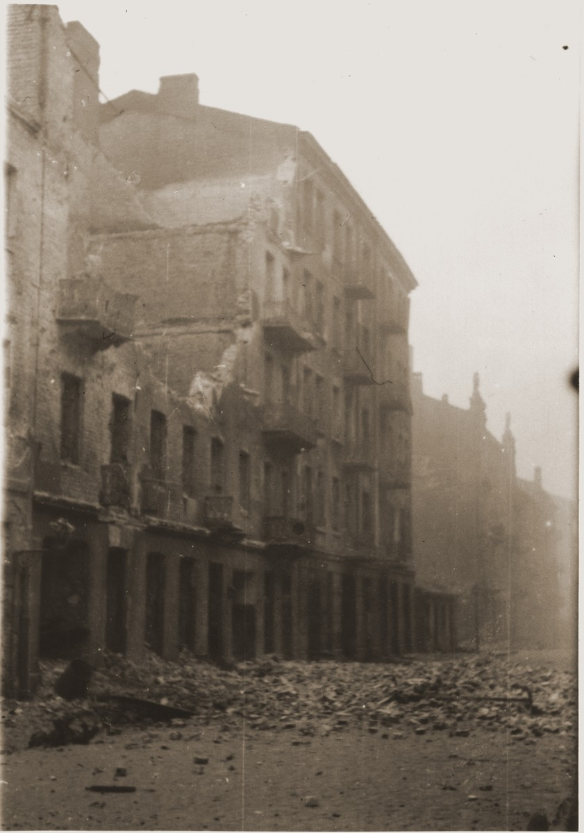 Ruins in the Warsaw ghetto after the suppression of the uprising by the SS.