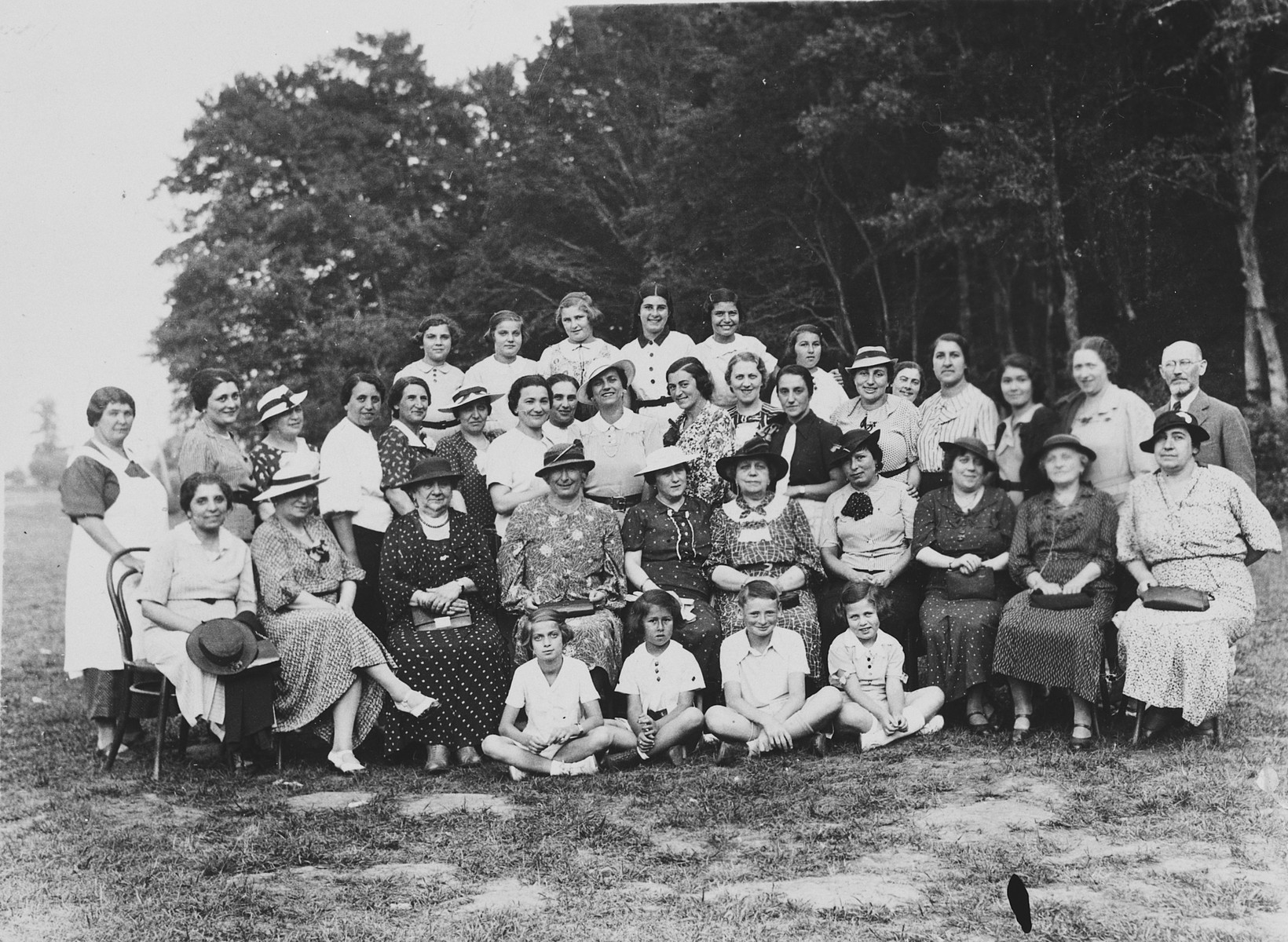 Slovak Jewish women and children go an a women's club outing to a camp in Pezinok.