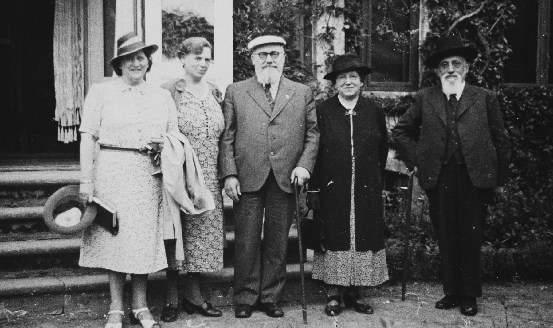 Five Danish Jews pose outside a home in Copenhagen.  Among those pictured are the Hartvigs, the grandparents of Hetty Fisch.