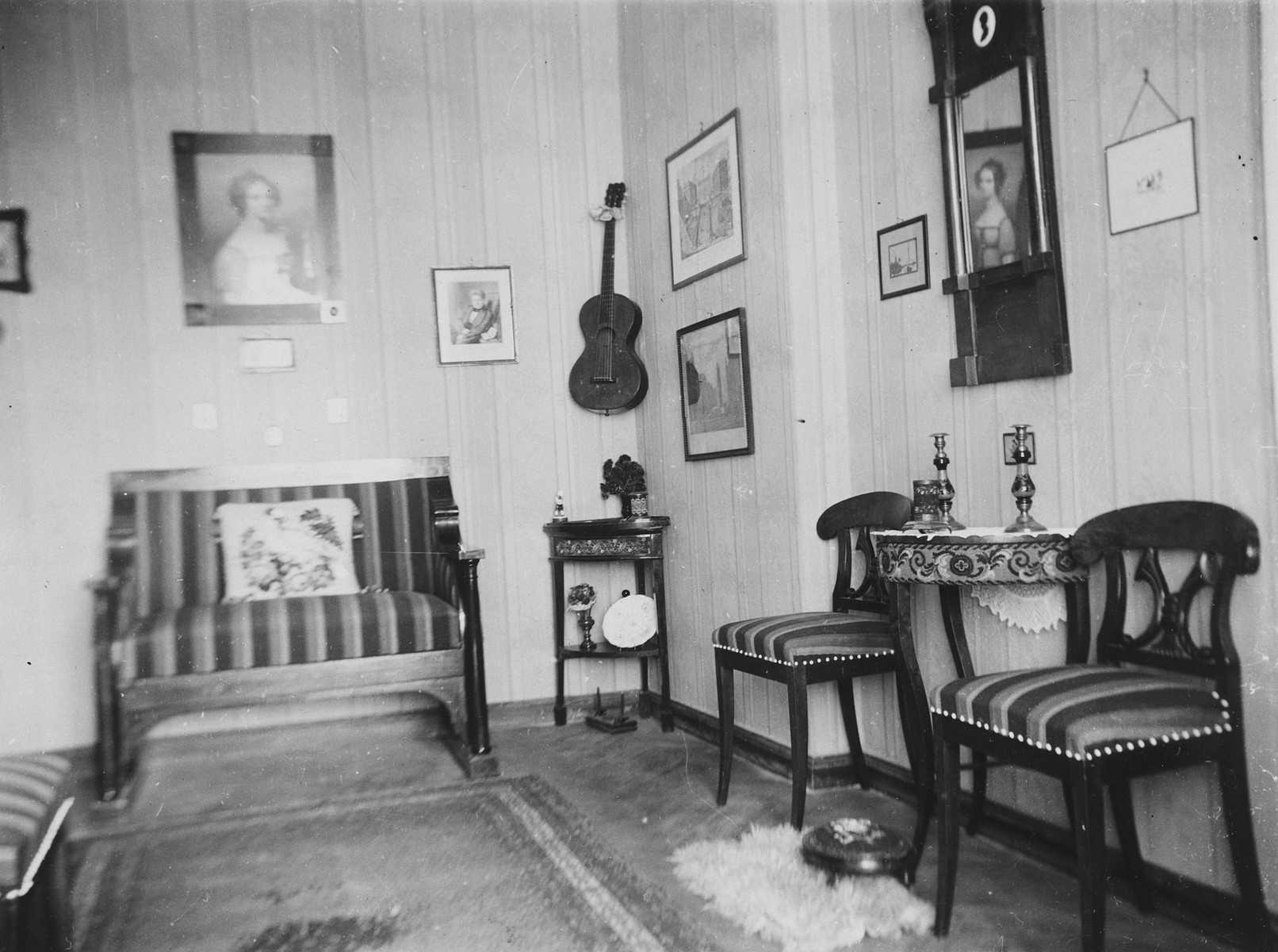 Interior view of the living-room of the Wolff family in Braunsberg, Germany.