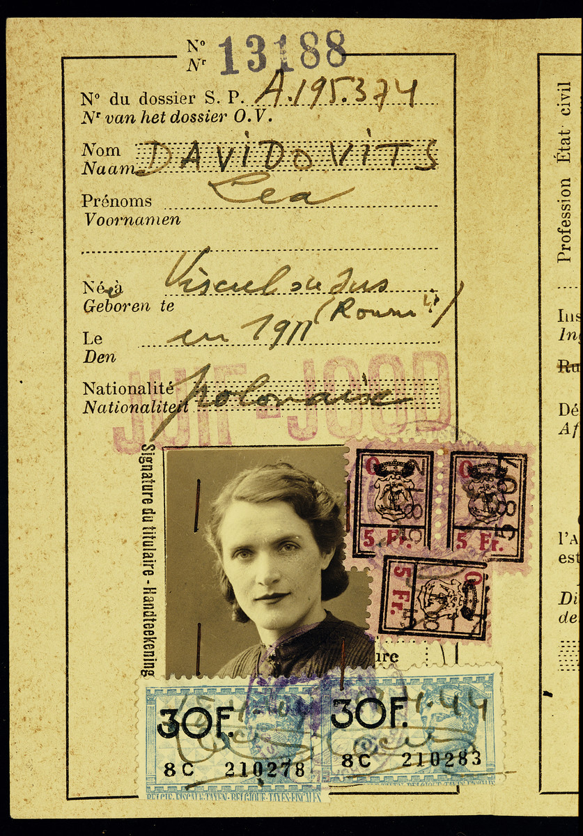 Alien identification papers issued to Lea Davidovits Ciechanow, aunt of the donor.  These papers were kept at the transit camp, Malines, after her deportation to Auschwitz.  Malines held on to the documentation for sixty-two years before sending it to Flora Singer, the surviving next-of-kin, in 2006.