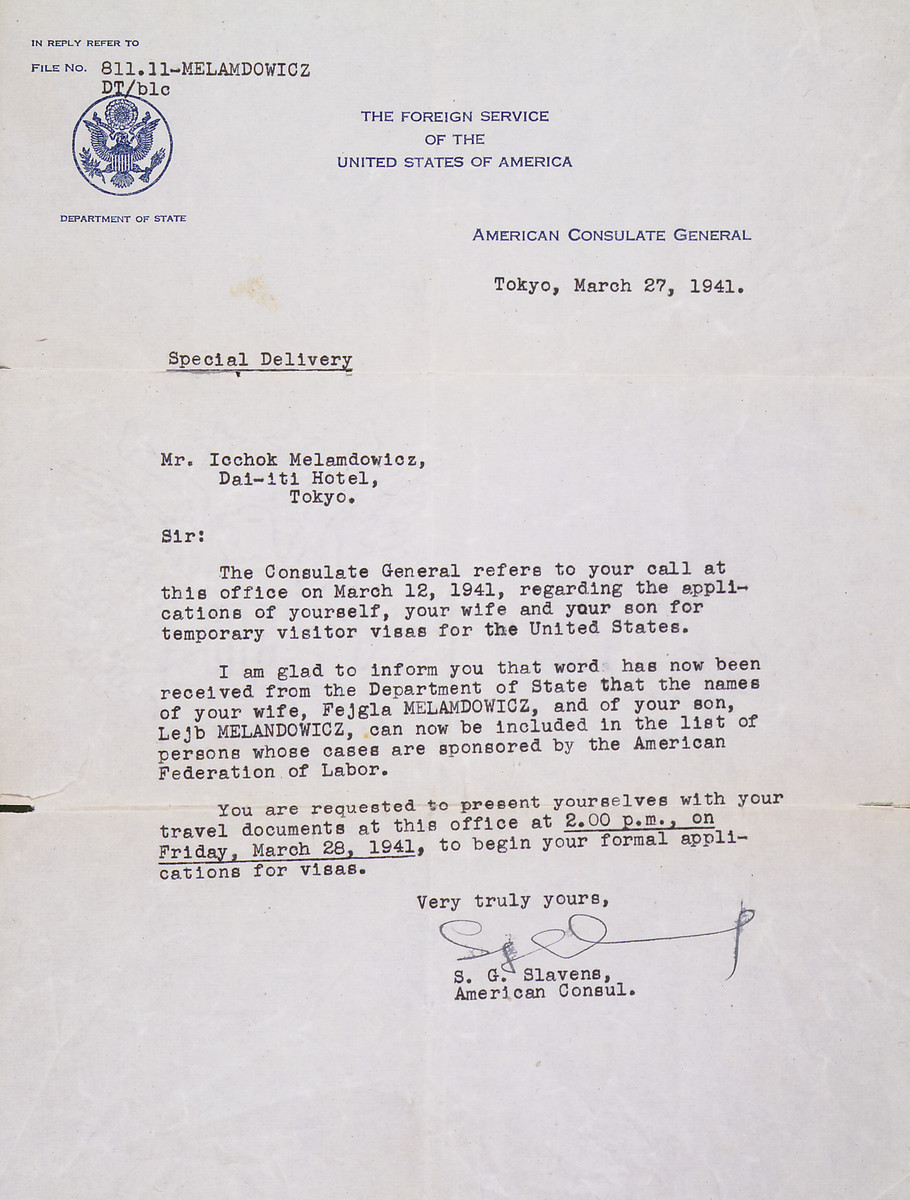 Letter from the U.S. consul in Tokyo informing Icchok that Fejgla and Lejb will, like him, receive a visa under the American Federation of Labor's sponsorship. They were among the last refugees to obtain such visas in Japan.