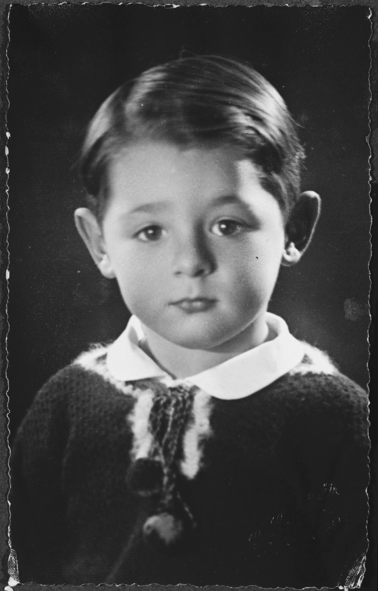 Portrait of Sergio Minerbi at age 4.