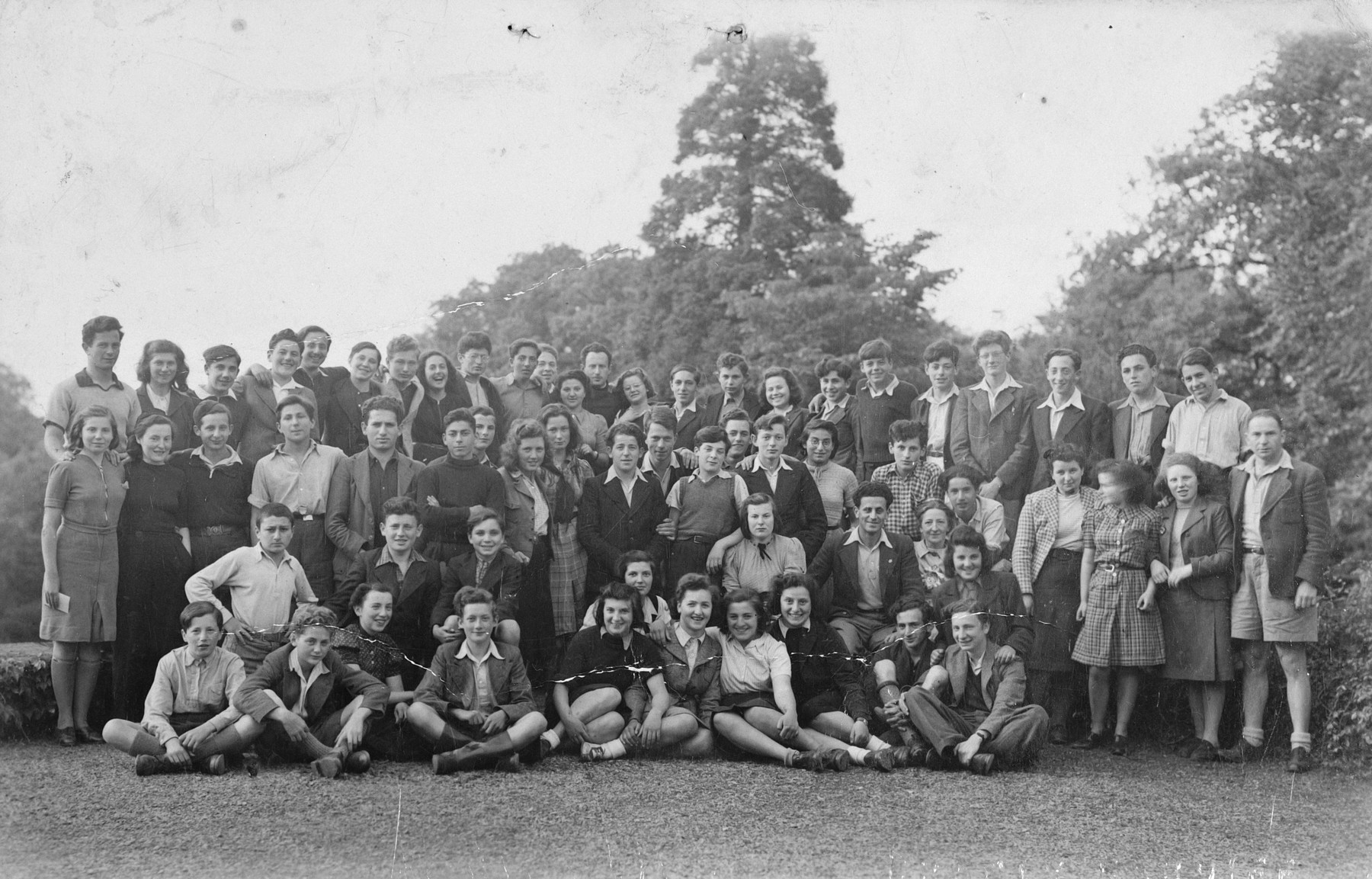 Group portrait of Jewish teenagers, who came to England on a Kindertransport, at a Zionist hachshara in Great Engeham Farm, Kent.