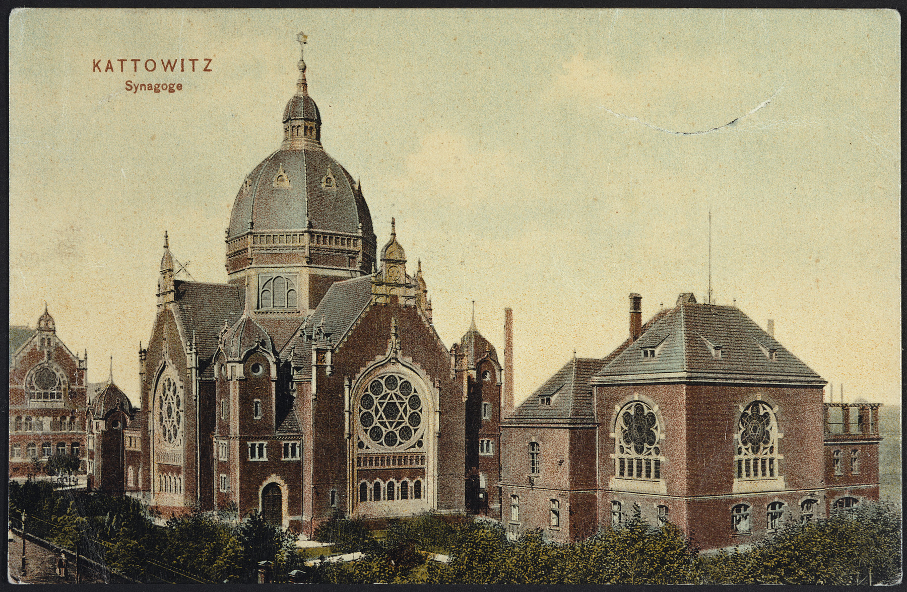 Picture postcard showing an exterior view of the synagogue in Katowice, Poland.