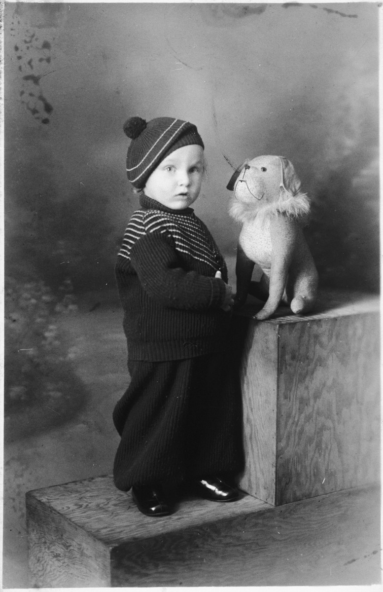 Studio portrait of a two-year-old Belgian Jewish child.  Pictured is Jacques Cynamon.