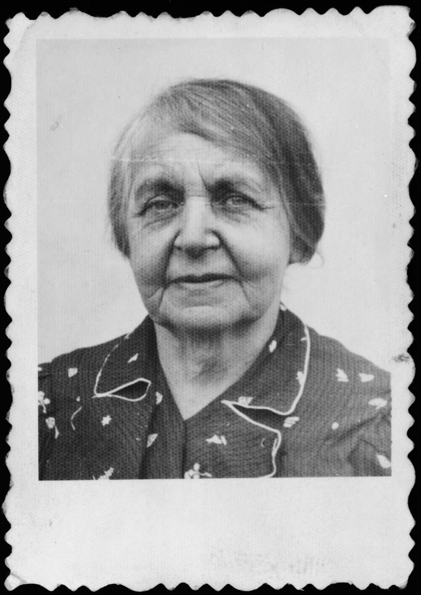 Close up photograph of a Jewish woman to be used for false Aryan papers.  Pictured is Leah (Laura) Landau Blattberg, the grandmother of Rita Blumstein, shortly before her death.