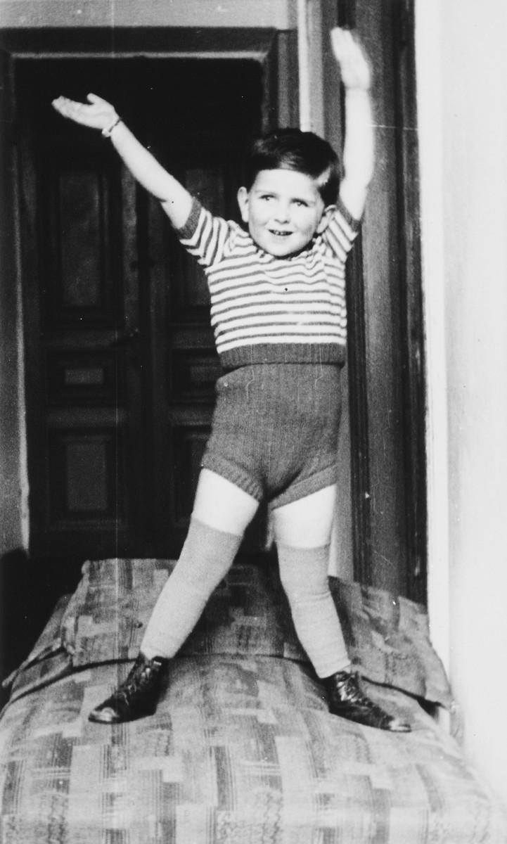 Portrait of four-year old Andrzej Glass.