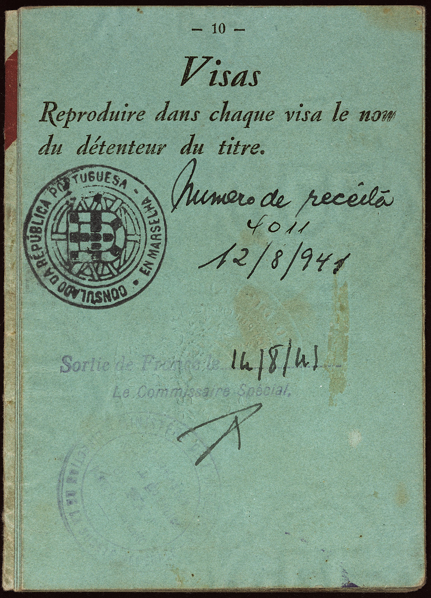 Interior page of the passport issued to Kurt Moses in France prior to his voyage to the United States on board the Mouzinho.