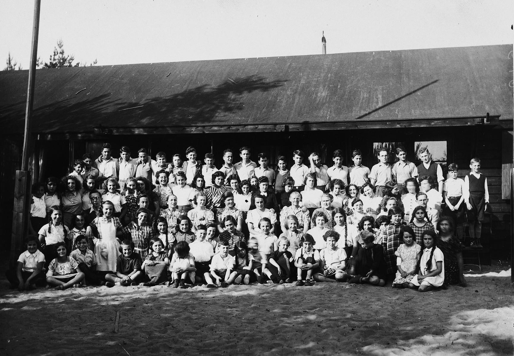 German-Jewish children in the Ons Boschhious children's home in Driebergen.