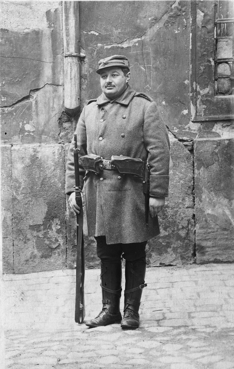 Close-up portrait of a Hungarian Jew in the Austro-Hungarian army.  Pictured is Zoltan Fisch.