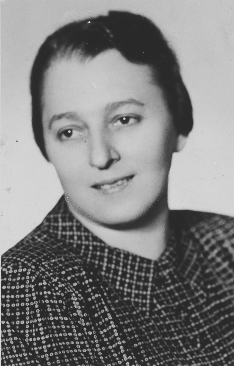 Close-up portrait of an Jewish woman shortly before her deportation to Theresienstadt.  Pictured is Rosa Fuchs.