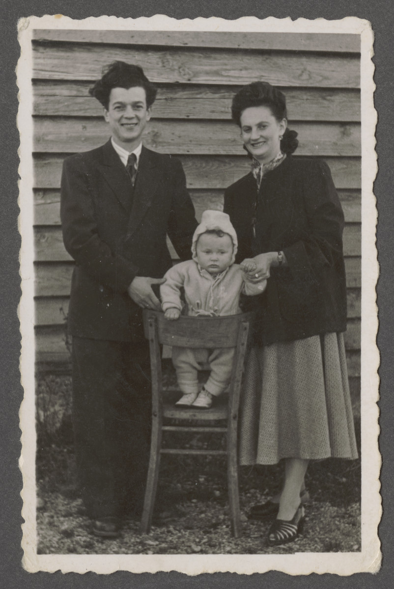 Joseph and Fania Pinczuk pose with their infant son Aaron Jonah in Camp Tyler (Wegcheid displaced persons camp) in Linz, Austria.