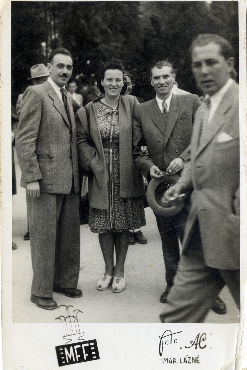 Ernest and Ruzena Hellinger (nee Blueh) pose with an unknown acquaintance, likely in Marienbad.