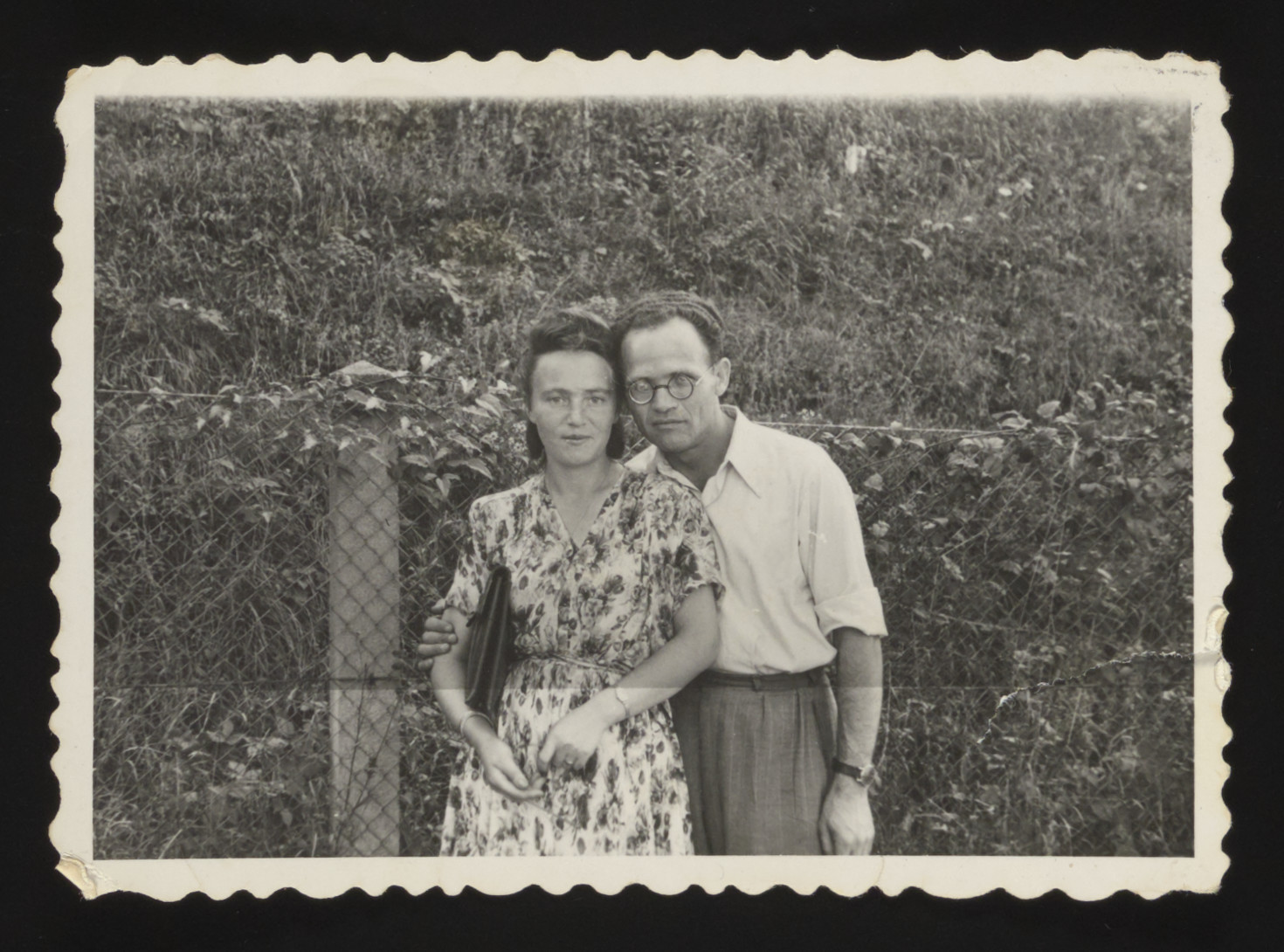 Portrait of a Jewish couple in the Munich displaced persons' camp.  Pictured are Lifcia and Lewek Szabason.