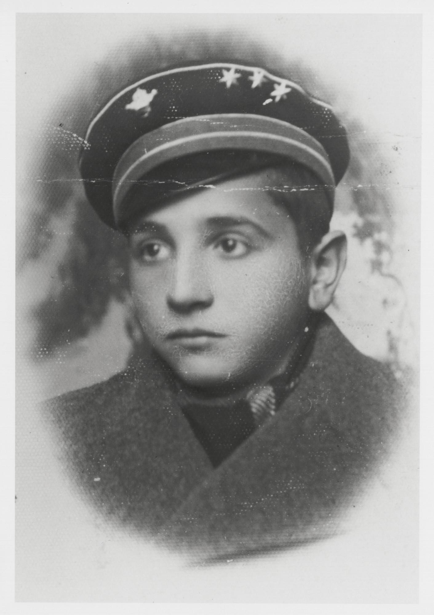 Portrait of Victor Nahmias.